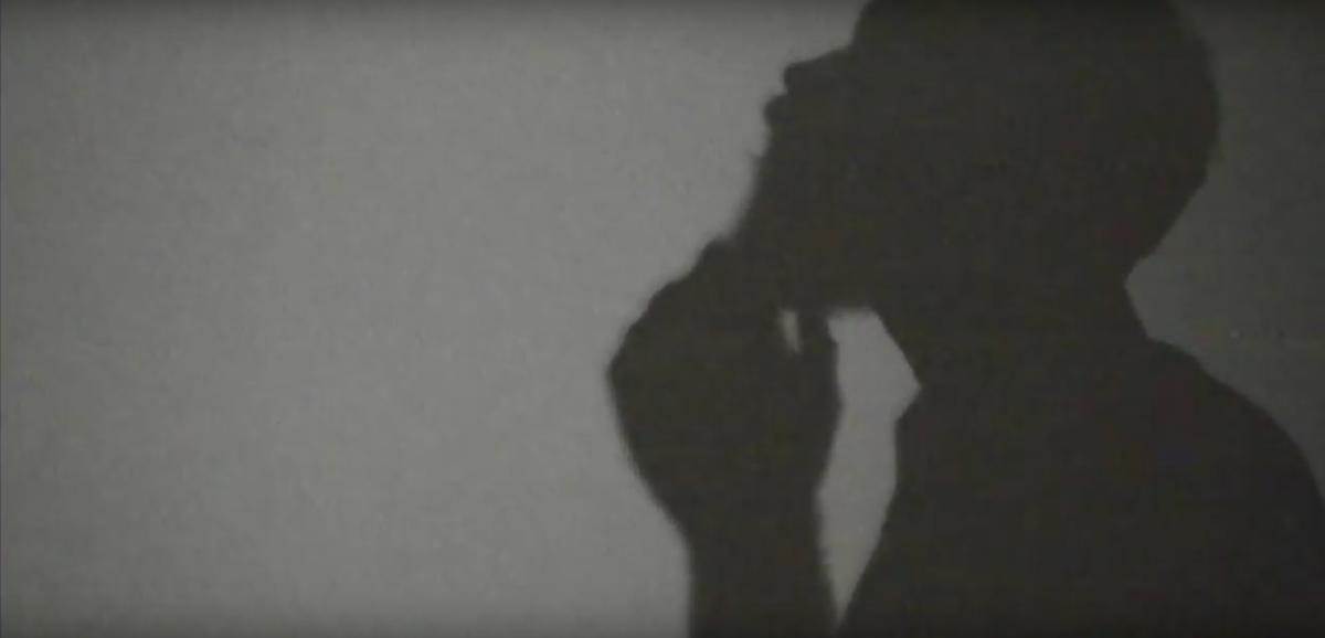 """Arit lança o single """"Relembre aos Ombros o Peso das Décadas""""."""